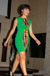 Полу атласное платье