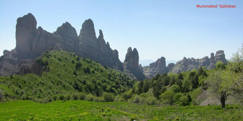 Муминабад горы Чилдухтарон