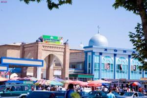 Рынок Исфара
