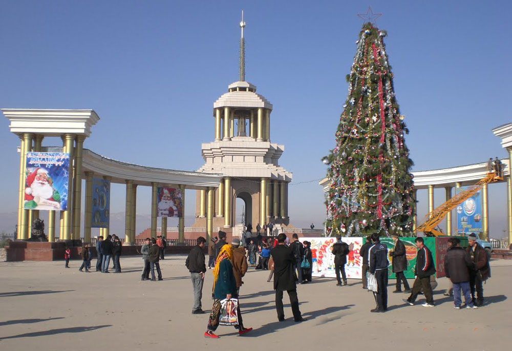 Центральный площадь города Куляб