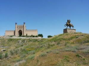 istaravshan-statuet