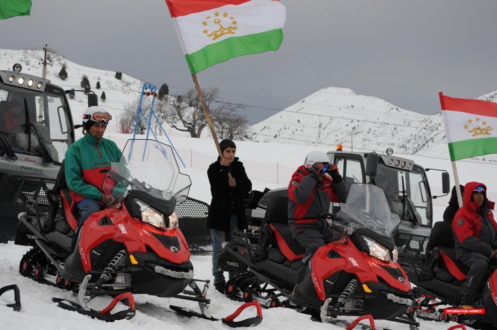 мотоцикл по снегу