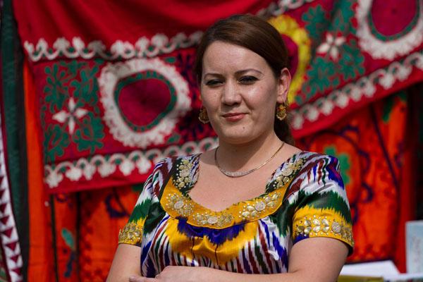 Фото девушки - таджички на празднике Навруз