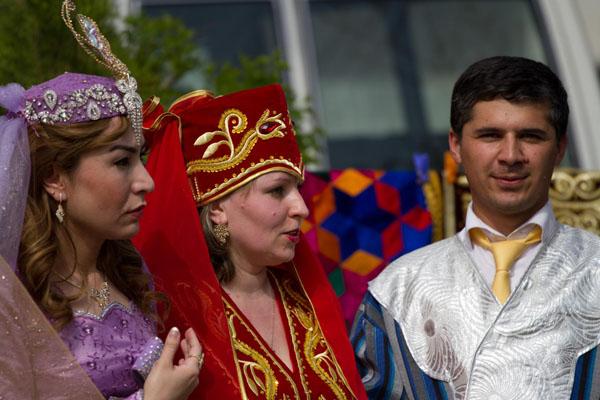 Фотография празничных костюмов таджиков