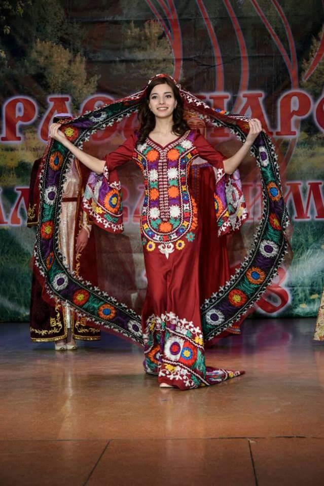 devush-tajik-platya-17