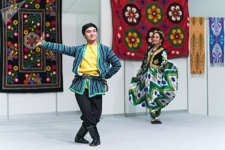 devush-tajik-platya-54