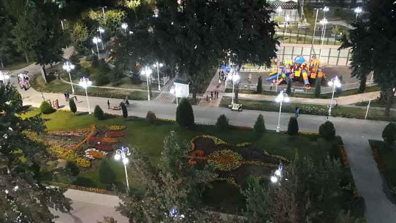 Парк фирдавси в городе Душанбе