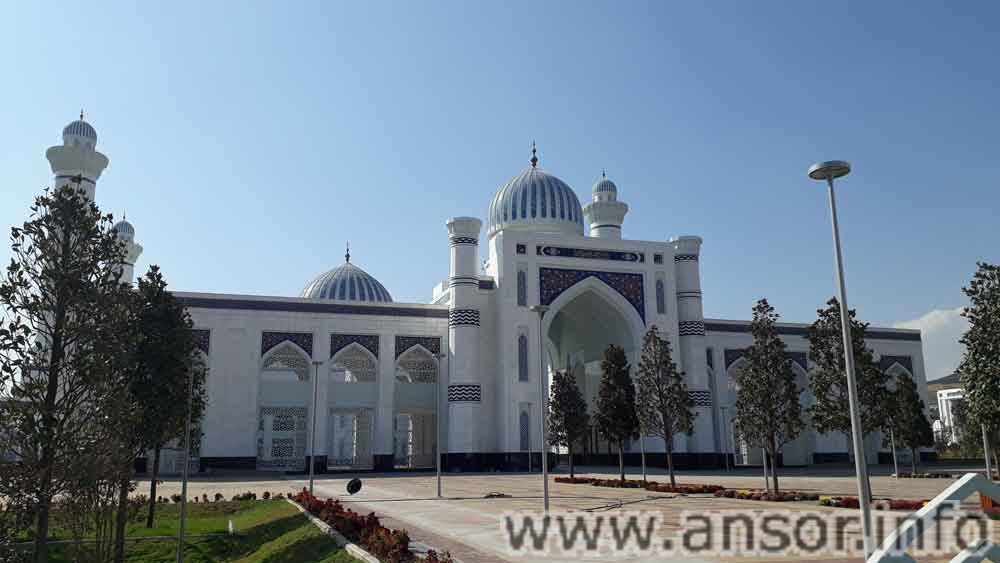 East Gate of Dushanbe Mosque