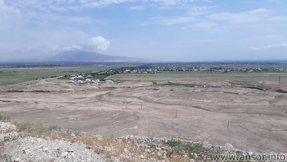 Фото района Дусти с высоты гор