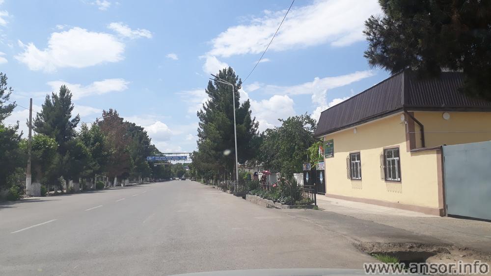 Главная улица района Дусти имени Рудаки